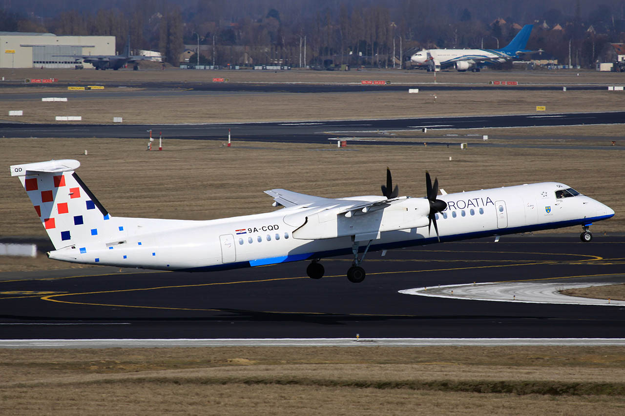 100309_9A-CQD_Dash_8-402_Croatia_Airlines.jpg