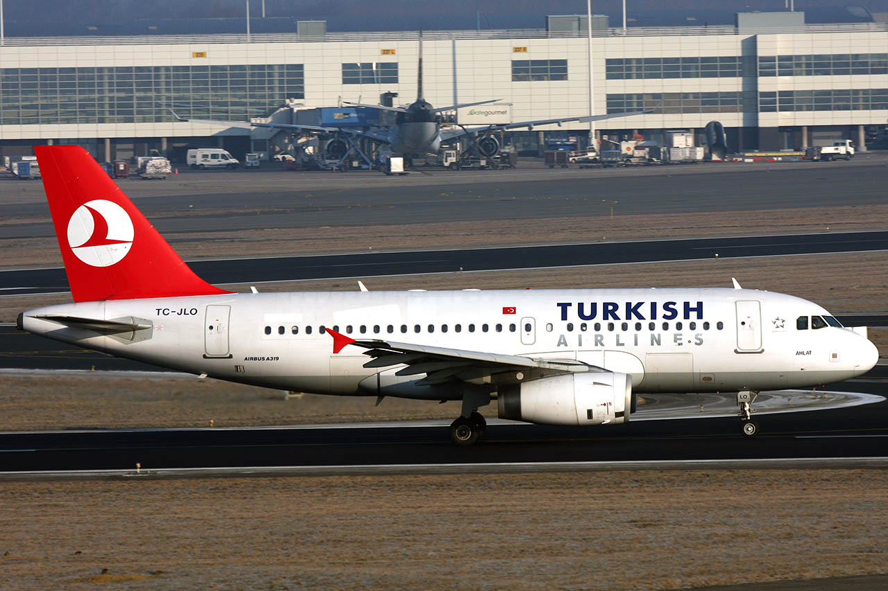 100309_TC-JLO_A319_Turkish_Airlines.jpg