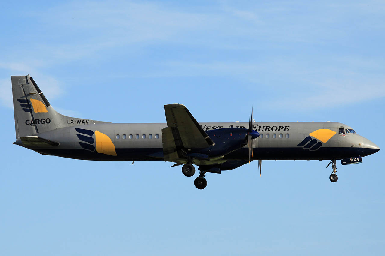 100629_LX-WAV_BAe_ATP_West_Air_Europe.jpg