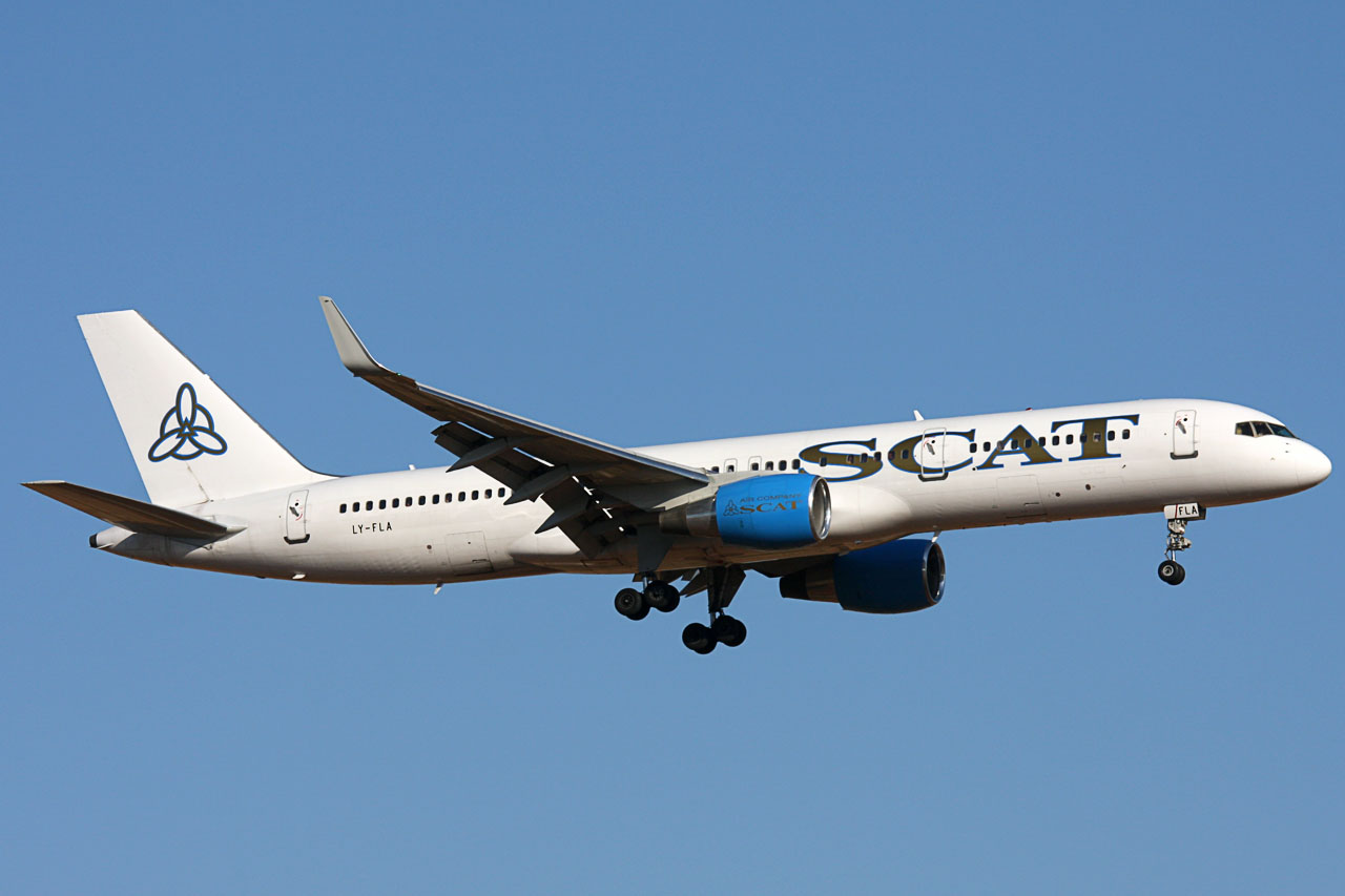 090703_LY-FLA_B757-200(WL)_SCAT_Airlines.jpg