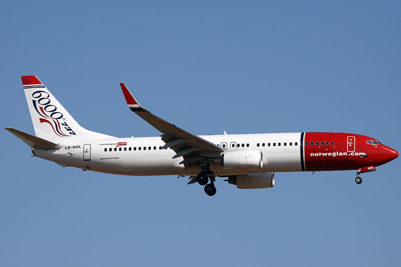 090712_LN-NOL_B737-800(WL)_Norwegian.jpg
