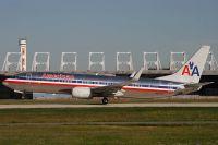 YUL070730_N967AN_B737-823(WL)_American_Airlines.JPG
